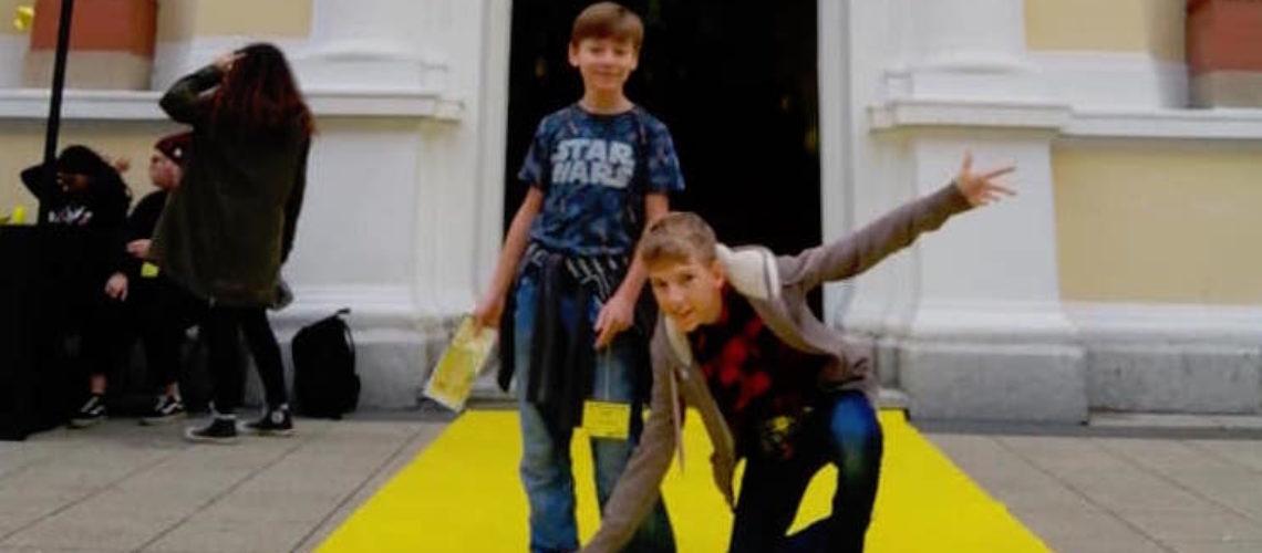 Žuti tepih za Grgura i Lovru.